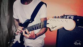 150-Guitarra marca Fender Squier