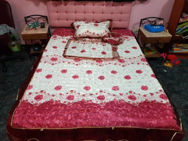 Sobre Camas satinadas, originales, en sus estuches. para camas ...