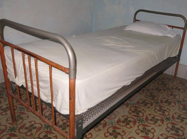 Vendo cama personal con su bastidor - Mueblería / Jardinería / Otros ...