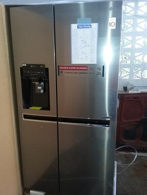 REFRIGERADOR LG,21 PC,DBLE PTA VERTICAL,SIDE BY SIDE,DOOR IN DOOR,GRIS.INOX.INV